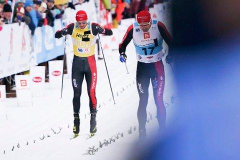 Tord Asle Gjerdalen blir spurtslått av lagkamerat Andreas Nygaard i kampen om tredjeplassen i langløpet Jizerska.