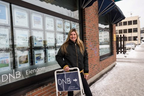 NÅ: Gunn Margit Andreassen jobber i dag som eiendomsmegler i Dnb eiendom i Hønefoss. Fra karrieren i skiskyting kan hun vise til sølv og bronse i OL-sammenheng.