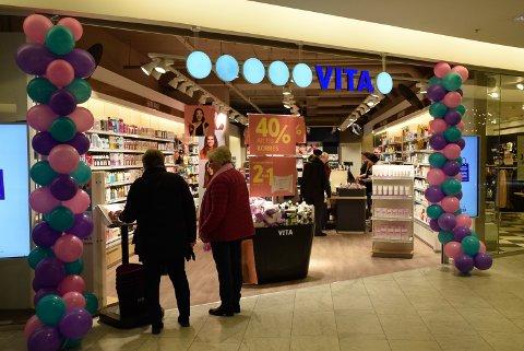 NYE EIERE: Vita-butikkene har fått ny eier, og flere av butikkene skal drives videre. Hva som skjer med butikkene på Kuben er ikke kjent ennå.