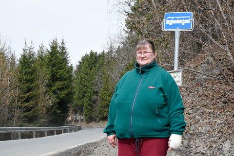 Isoleres: Anita Sandli i Gomnesveien isoleres fullstendig når rute 211 ikke går i åtte uker.