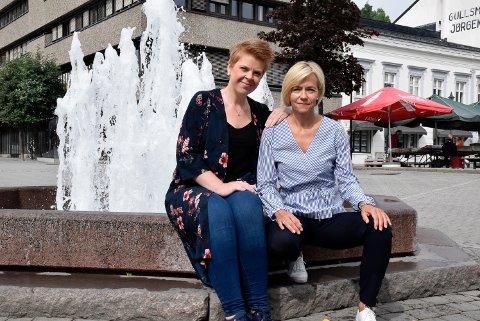 FEST: – Vi har bestilt fint vær og håper mange tar turen til midtsommerfest i Hønefoss sentrum, både torsdag og lørdag, sier markedskoordinator Helene Halvorsen (t.v.) og senterleder på Kuben, Anne Trine Høibakk.
