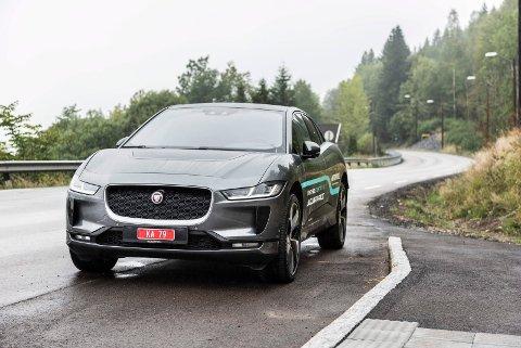 KJØRER LENGER: Jaguar I-Pace får inntil 20 kilometer økning i rekkevidden, det skjer gjennom en software-oppdatering.