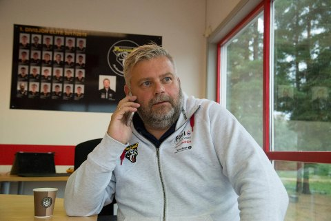 TRAVEL: Daglig leder Bård Stevnebø i Ringerike Panthers får nok en utfordring fram mot neste sesong, når utlendingskvoten reduseres.