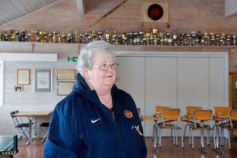 DRIFTIG: Siden 1992 har Jorun Hansen vært med på å drifte klubbhuset til Holeværingen.