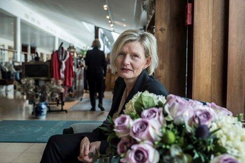 STENGER HOTELLET: Cecilie Laeskogen synes det er trist at Sundvolden Hotel nå må permittere alle de ansatte.