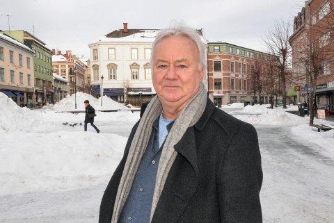 25 ÅR ETTER: Roar Olsen mimrer tilbake til folkefesten på Søndre Torg i 1994.