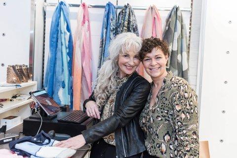STILI DUO: Gunnhild Borgersen er daglig leder og Ghita Kier Mikkelsen er eier av klesbutikken Stili på Søndre torg.