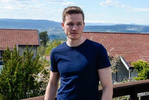 FORTVILER: Eirik Sverdrup Augdal gikk et kjempeløp på femmila i Holmenkollen i mars. Men premiepengene lar vente på seg.