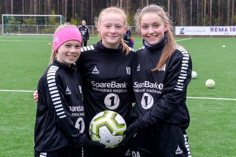 Malin Rovelstad, Ingeborg Dahlen og Othelie Aspholt har blitt gode venner etter at klubbene deres slo seg sammen.
