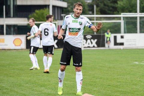 NEDTUR: – Jeg hadde ikke sett for meg dette da jeg gikk fra Sarpsborg i 2017, sier Tor Øyvind Hovda. Her fra kampen mot Fram, som HBK tapte 3-2.