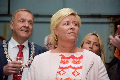 SYKMELDT: Siv Jensen har fått influensa og må overlate håndteringen av revidert nasjonalbudsjett til statsministeren.