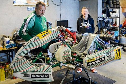 GARASJEN: Far og sønn Abrahamsen bruker mange timer hjemme i garasjen på Nakkerud, for å få gokarten(e) i best mulig stand.