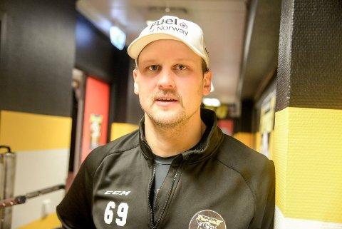 BEST: Patrick Eriksson var banens beste for Panthers mot Furuset. Nå ser han fram til et hektisk program, men den svenske julefeiringen utgår.