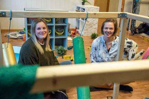FOKUS PÅ LEK: Både leder Marianne Løken og forelder Christi Vigenstad Myhre er fornøyd med at fokuset på lek har økt i Blåbærskogen barnehage.