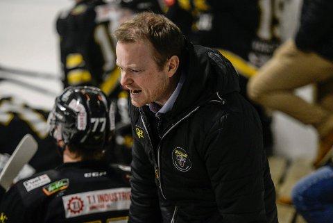 STOPP I SERIEN: Vanligvis engasjerte Panthers-trener Martin Boork må ta en pause i 1. divisjon på grunn av korona-utviklingen.