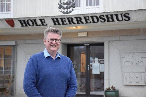 RASKT: Kommuneoverlege Rolf Qvernheim i Hole mener utbruddet ble slått ned raskt og effektivt.