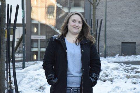 NY JOBB: Farmasøyt Stina Sand Bowitz blir daglig leder (apoteker) ved Ditt apotek på det nye nærsenteret i Haug.