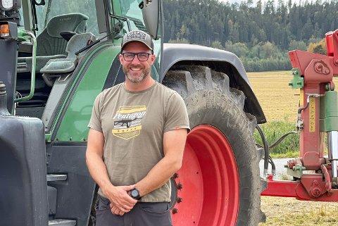 DRIVER GÅRDEN: Henrik Hornemann tok over Stein gård i 2015. Nå er det han som må ta de viktige beslutningene. Foto: Privat