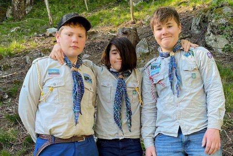 """VIDERE TIL NM: Patruljen """"Ulv"""" går  videre til NM i speiding 13. juni. Ulv består av (fra venstre ) Ivar Søstrand Bu, William Shorter og Eirik Sando."""