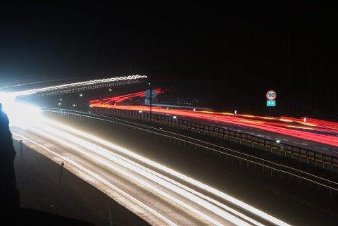 110: Gjennom vinteren vil det fortsatt være lov å kjøre i 110 km/t på E6 mellom Dal og Tangen.