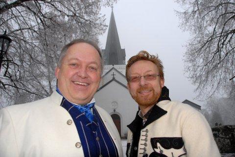 GIFTER SEG: Eidsvoll-ordfører John-Erik Vika og samboer Kjell-Jostein Andersson. FOTO: JOHN GRANLY