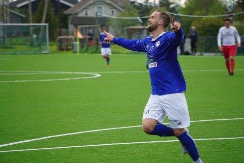 TOPPSCORER: Marius Preber er toppscorer for Raumnes & Årnes denne sesongen med fire fulltreffere. Her jubler han over scoring i 4-3-seieren mot Fjellhamar.