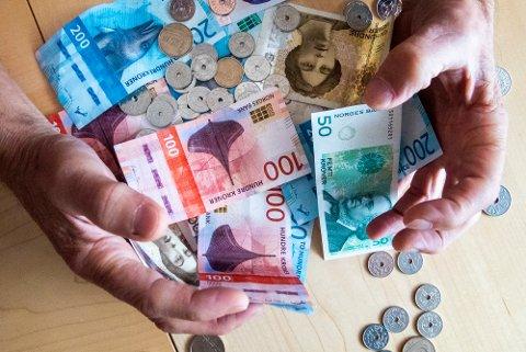 STYRKET I TROEN: Troen på både egen og landets økonomi er økende blant nordmenn. Samtidig sier flere enn noen gang før at de ønsker å spare penger, viser den nyeste utgave av Finansbarometeret fra Finans Norge og Kantar TNS.
