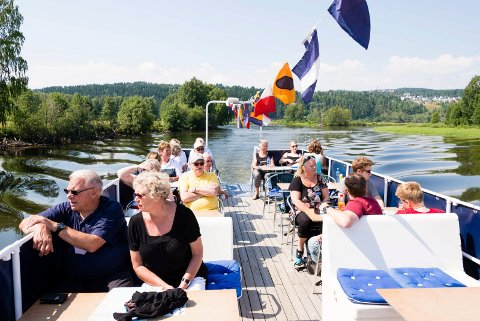 SLUTT: Slike turer blir det slutt på nå. Den populære turistbåten er nemlig besluttet solgt og lagt ut for salg.