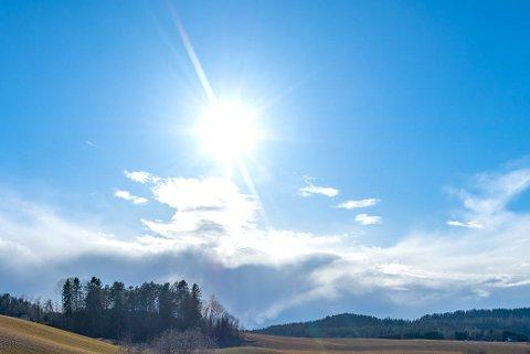 REKORDMÅNED: Til tross for en rekordtørr måned flere steder i landet var det ikke mye varmere enn normalt på landsbasis i august.