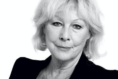 OM LIV, DØD OG KJÆRLIGHET: Skuespiller Lise Fjeldstad kommer til Slemmestad kirke på allehelgenskonsert.foto: Nasjonalteateret
