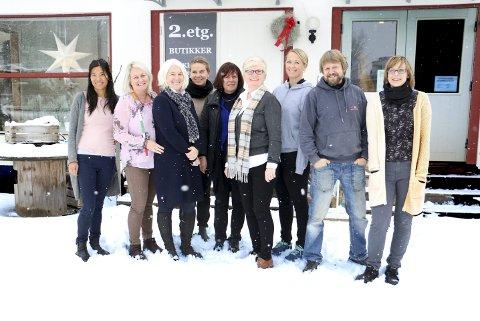 NR. 95: Linn Dammann, Lisbeth Selmer, Rita Ravnvik, Hanne Christensen, Birgit Larsgård Glimsjø, Vigdis Totland, Randi Vatna, Stein Johnsgård og Ingrid Galvin.