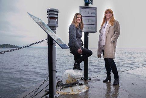 MÅ BEVISE: Leder i hovedutvalg for samferdsel, Solveig Schytz og Elisabeth Holter-Schøyen i Asker Venstre ser fram til at ruter nå skal prøve ut med økt frekvens på båtruta Slemmestad-Oslo. – Men da folk må bruke båten, sier de.