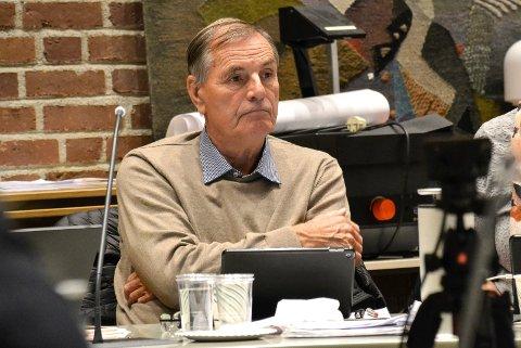 OVERVELDET: Nils Ingar Aabol (71) ba om tid til å diskutere kommuneplanforslaget med Arbeiderpartigruppa.