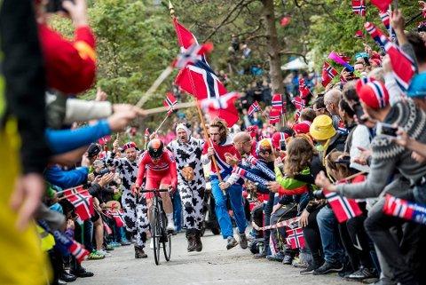 FOLKEFEST: Tusenvis av tilskuere skapte en fantastisk ramme rundt VM i Bergen, men det økonomiske gikk rett vest.