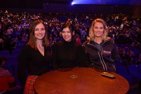 ROLLEMODELLER: Hanna Belavus (fra venstre) fortalte om sine studievalg, Vivil Hunding Strømme fra arrangørene og Marte Martinsen som er kvinnelig elektriker.