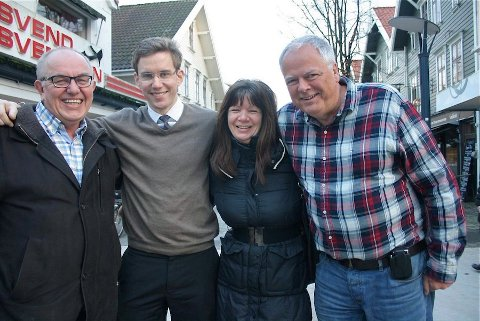 BYENS QUIZ-HÅP: Andreas Iversen, Brage Nordgård, Anne Skeie og Reinert Romeo Amundsen er Sandnes sitt quiz-lag under Quizdan 2013.