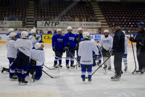STOR SUKSESS: Ishockeyskolen som ble arrangert i Sparta Amfi var en stor suksess.