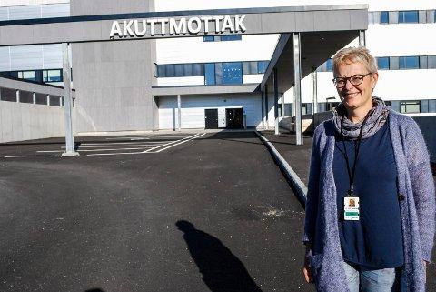 ØKER KAPASITETEN: Klinikksjef Liv Marit Sundstøl i Sykehuset Østfold ser fram til å øke kapasiteten ved akuttmottaket.