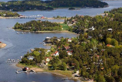 VIL HINDRE PRIVATISERING: Kommunedirektøren har  i forslaget til ny kystsoneplan foreslått at hytteeiendommer ikke kan vokse seg større enn ett dekar. Det er for å hindre privatisering av kystsonen.