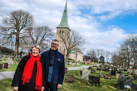 TUNE KIRKE: I Tune kirke skal det holdes en demensvennlig gudstjeneste. Den skal ledes av blant andre sogneprestene Lisbeth Heie Gregersen og Petter Johannessen.