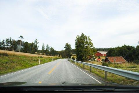 80-SONE: Her på Oldtidsveien er det 80 kilometer i timen, mye vogntog og høy trafikk av personbiler.