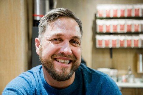 Geir Helge Roaas fra Tomter er til daglig overlege ved Oslo Universitetssykehus, og har vært veileder i NRK-serien SKAM.