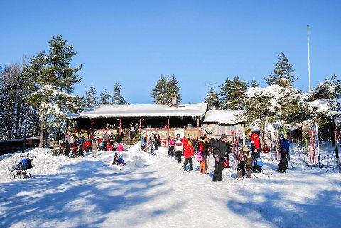 FOLKSOMT: Vi regner med mange legger skituren til Skansehytta i vinterferien, som her fra Kom deg ut-dagen for et par år siden.