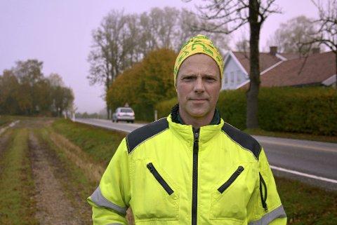 BER OM VANN: Grunneierlaget langs fylkesvei 124 har bedt Eidsberg kommune se på muligheten for å legge kommunale vann- og avløpsledninger samtidig med at Statens vegvesen ruster opp veien. Laget ledes av Dagfinn Mysen.