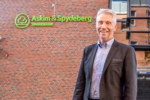 VIL FORDELE MAKT: Rune Hvidsten mener det må tas mer hensyn til de mindre bankene. – De store er avhengige av de små, sier banksjefen i Askim og Spydeberg Sparebank.