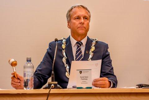 BETENKT: Ordfører i Indre Østfold kommune, Saxe Frøshaug (Sp), er overrasket over Skiptvets budsjettforslag.