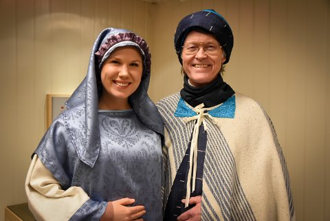 Julespill. Årets hovedroller er Stine Tangen og Tom Finsdal.