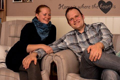 Sølvi (29) og Dennis (34) Hansen tror kristendom har mye å rette opp.