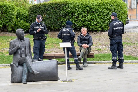 Her får Bård Ottar Wendelborg vite at han er anmeldt av politiet lørdag ettermiddag.