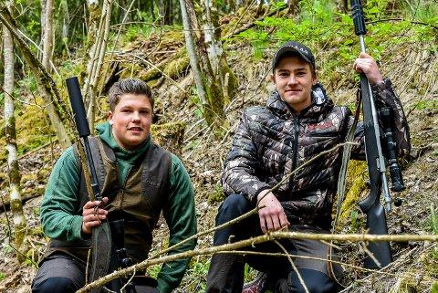 Aksel Garseg (17, t.h.) og Albert Blomberg (18) skal til Canada for å jakte på bjørn og ulv.